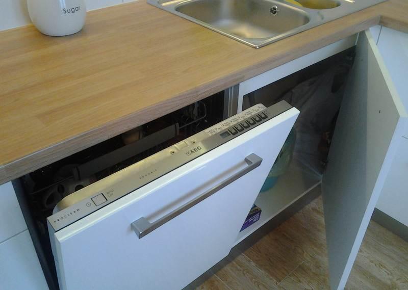 Встроенная посудомоечная машина AEG