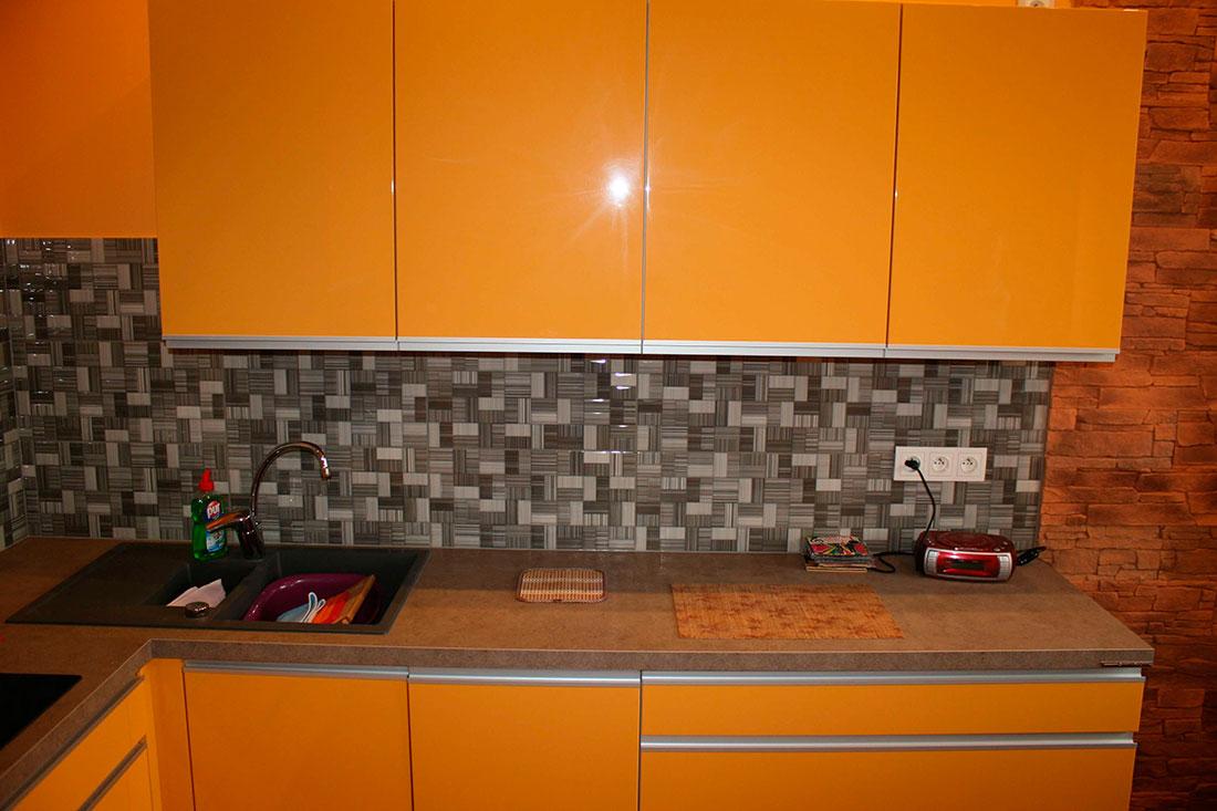 Три важных причины выбрать для своего кухонного гарнитура, столешницу из ДСП покрытую слоистым пластиком