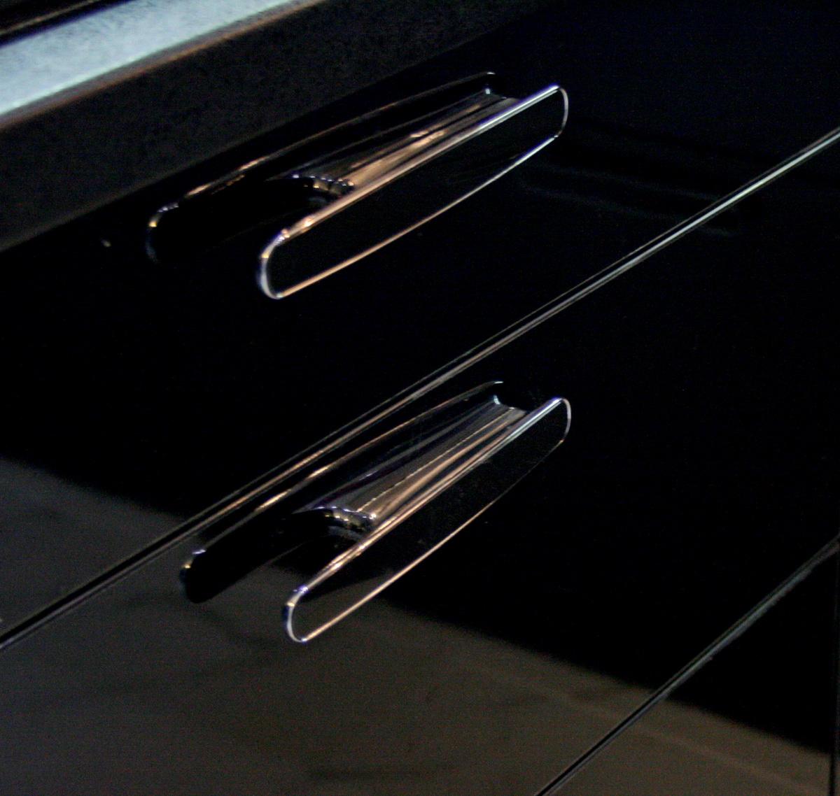 Правильно подобранные ручки подчеркнут завершенность дизайна