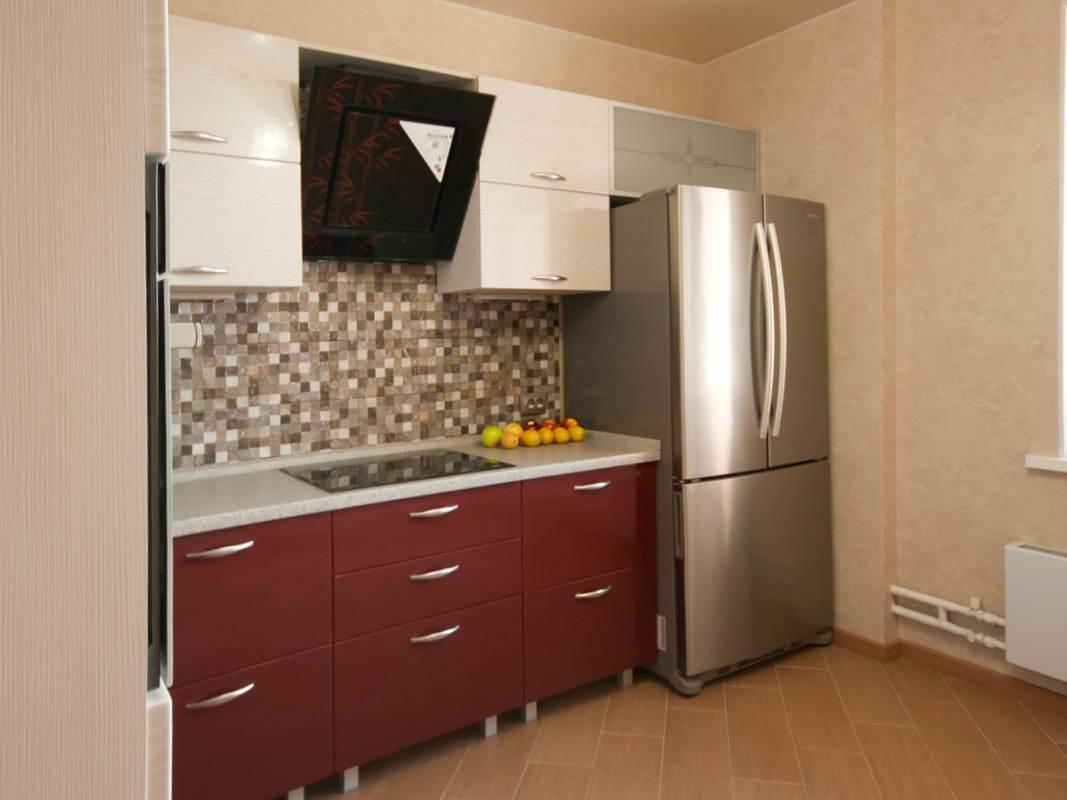 Место холодильника в правом углу