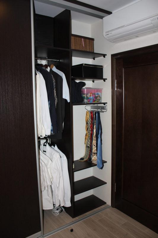Доводчики в системе раздвижных дверей для более комфортной эксплуатации шкафа