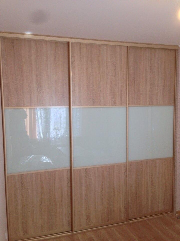 Цветовая гамма фасадов шкафа спальни должна успокаивать и располагать к отдыху