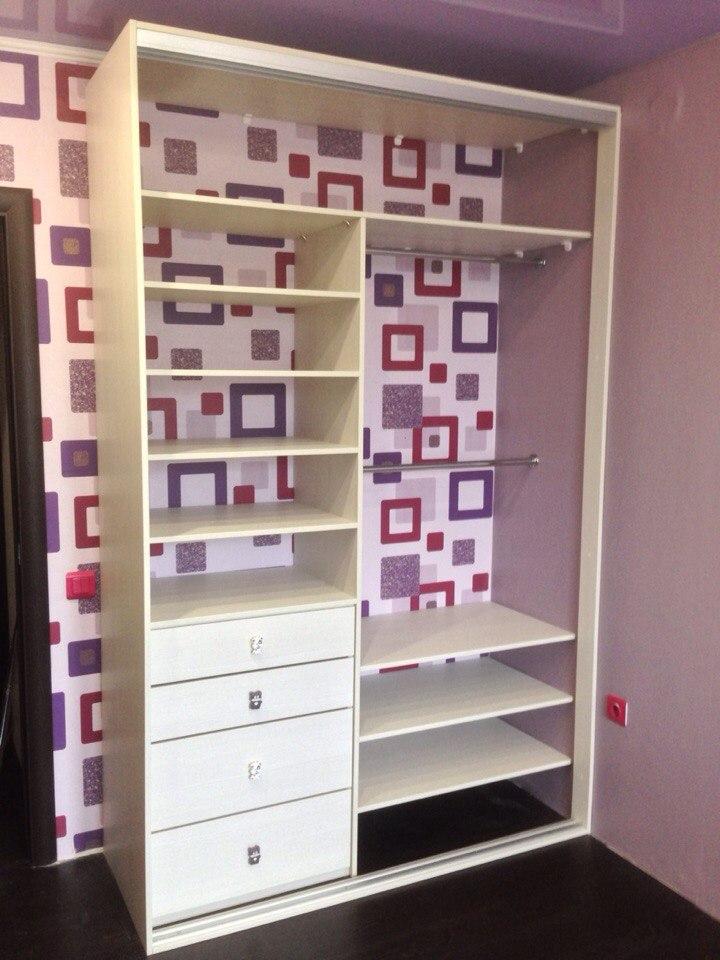 Шкаф изготовлен с учетом того, что им будет пользоваться ребёнок