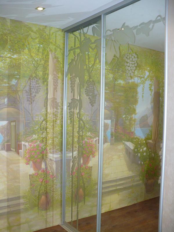 Зеркальные двери с защитной пленкой в алюминиевом профиле