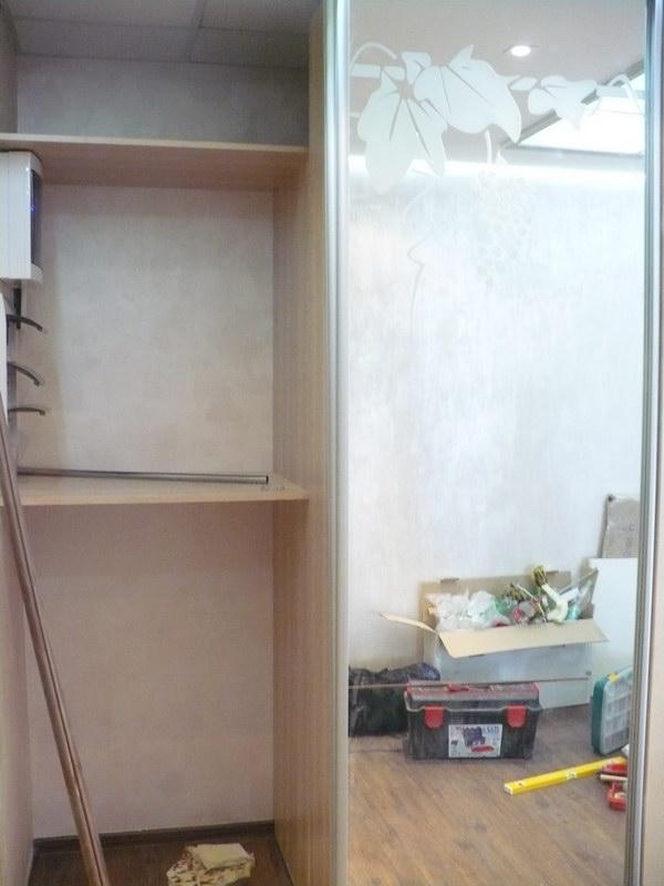 Зеркальные двери увеличивают внутреннее пространство помещения