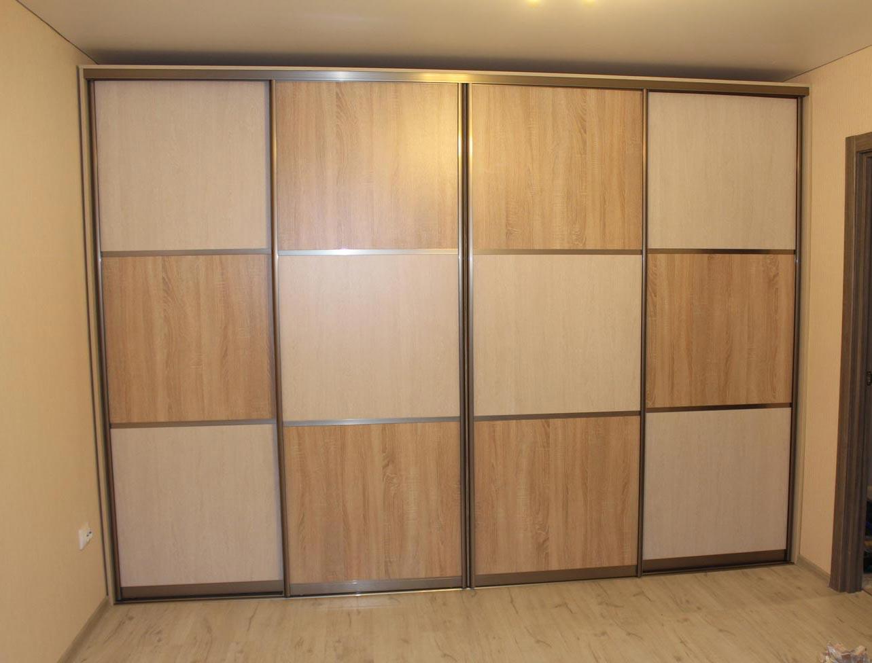 Строгие комбинированные двери из коричневого и бежевого ЛДСП